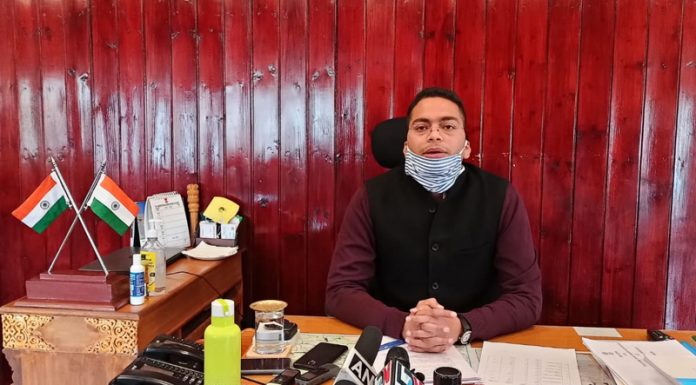 DC Leh Sachin Kumar addressing a press conference in Leh on Sunday. — Excelsior/Morup Stanzin