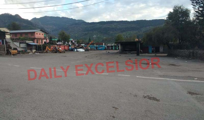 Bust Stand at Green Zone district in Poonch remains deserted as lockdown 3.0 began on Monday. —Excelsior/Gurjeetbhajan