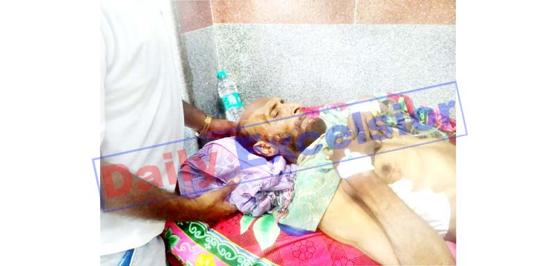 A civilian injured in Pakistan shelling admitted in District Hospital Poonch on Thursday. -Excelsior/Gurjeetbhajan