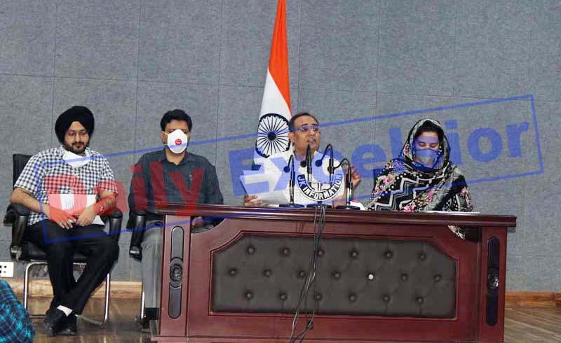 Govt spokesman Rohit Kansal addressing a press conference in Jammu on Monday. —Excelsior/Rakesh