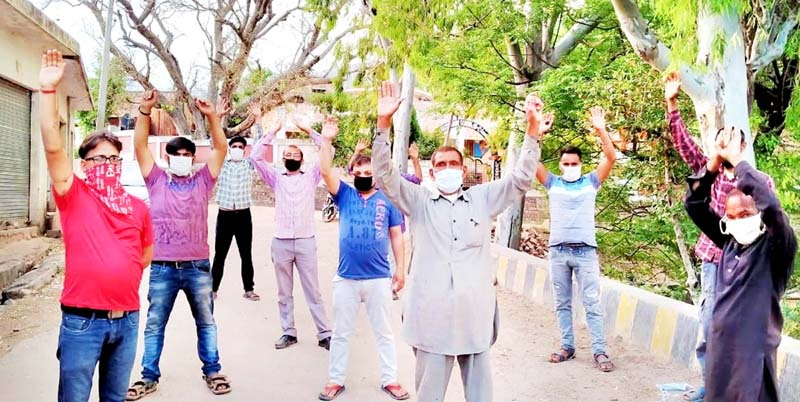 Villagers of Jandrore protesting against PDD on Thursday.