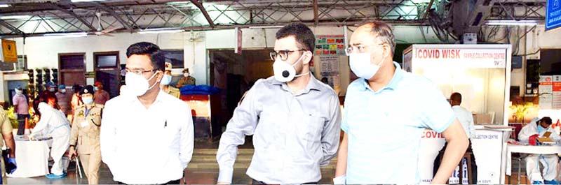 Principal Secretary PDD Rohit Kansal during visit to Railway Station Jammu on Monday.