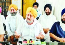 Chairman, J&K Gurdwara Parbandhak Board, Tarlochan Singh Wazir, addressing a press conference at Jammu.