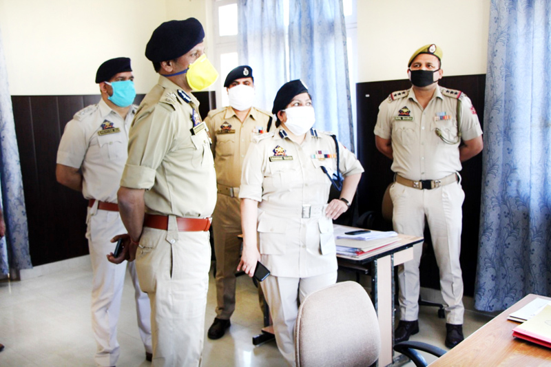 IGP Jammu Mukesh Singh passing instructions to the officers during his visit to Reasi district.