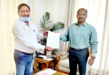 BJP leader, Ashwani Kumar Chrungoo presenting a memorandum to Lt. Governor G.C. Murmu at Jammu on Wednesday.
