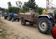 Tractor used for illegal mining seized by protestors in Kathua on Saturday. —Excelsior/Pardeep