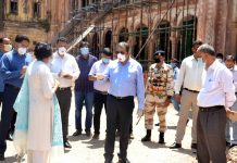 Advisor Baseer Khan during visit to Mubarak Mandi Complex on Wednesday.