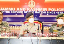 IGP Kashmir Vijay Kumar along with Army and CRPF officers addressing a press conference in Srinagar on Wednesday. -Excelsior/Shakeel