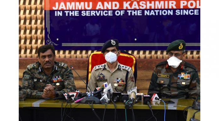 IGP Kashmir Vijay Kumar addressing a press conference in Srinagar on Tuesday. — Excelsior/Shakeel
