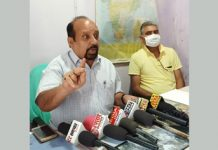 Senior Trade Union leader Som Nath addressing press conference at Udhampur.