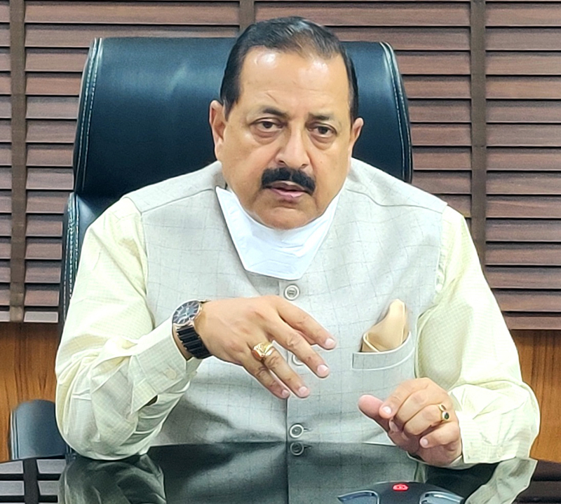 Union Minister Dr Jitendra Singh briefing about one year's achievements of the Department of Atomic Energy , at New Delhi on Saturday.