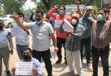 Casual labourers protesting at Jammu on first day of their two day strike on Monday. —Excelsior/Rakesh