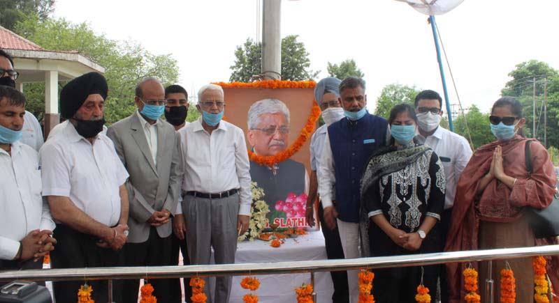 Members of Bar Association Jammu paying homage to Late B S Slathia on Tuesday.
