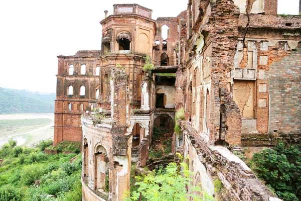 A view of heritage complex Mubarak Mandi of Jammu. (UNI)