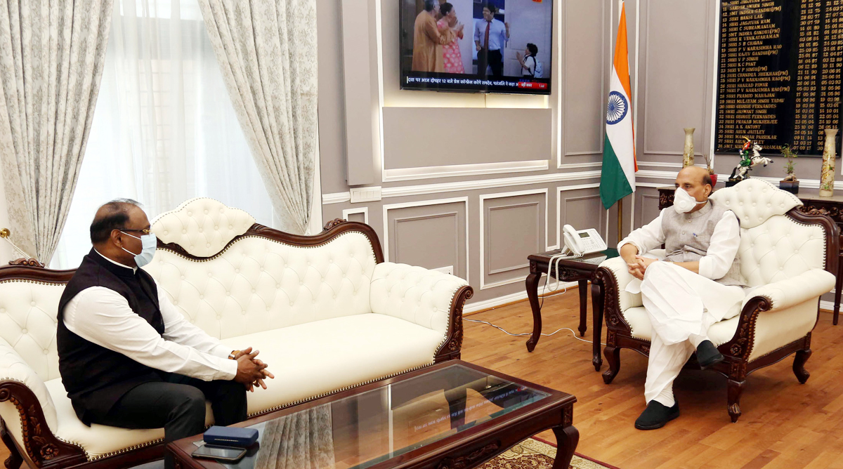 Lieutenant Governor Girish Chandra Murmu in a meeting with Defence Minister Rajnath Singh in New Delhi on Wednesday.
