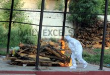 COVID victim being cremated at Shakti Nagar in Jammu on Tuesday. -Excelsior/Rakesh