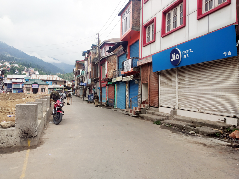 A view of lockdown in Bhaderwah town on Tuesday. -Excelsior/Tilak Raj