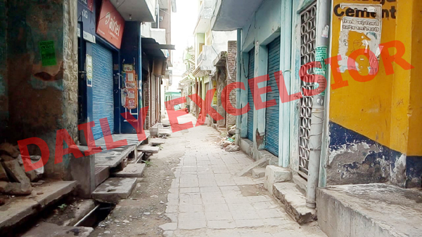 Deserted Old Bazaar Reasi after being declared as Containment Zone on Thursday. —Excelsior/Romesh Mengi