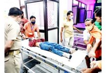Accident victims being admitted in DH Reasi for treatment.