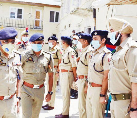 DGP Dilbag Singh during visit to District Budgam.
