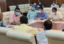 Deputy Commissioner Srinagar Shahid Iqbal Choudhary chairing a meeting on Saturday.