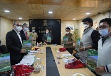 Ladakh LG R K Mathur along with other dignitaries launching Mission Organic Development Initiative at Leh.
