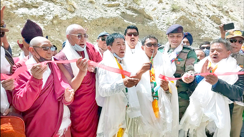 MP Ladakh Jamyang Tsering Namgyal inaugurating bridge on Zanskar river. -Excelsior/Morup Stanzin