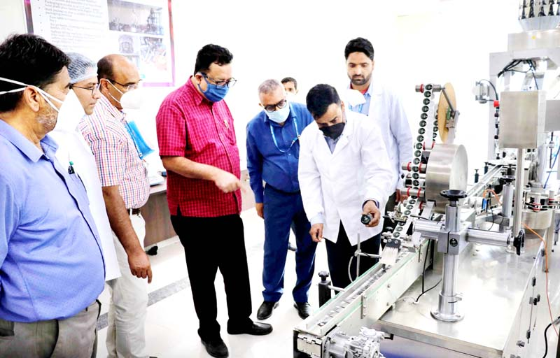 Principal Secy Agriculture Production Deptt Navin K. Choudhary during visit to Saffron Trade Centre at Dussu in Pampore.