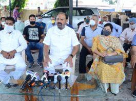 Former Minister and senior NC leader, Surjit Singh Slathia at a press conference at Vijaypur on Tuesday. —Excelsior/Gautam