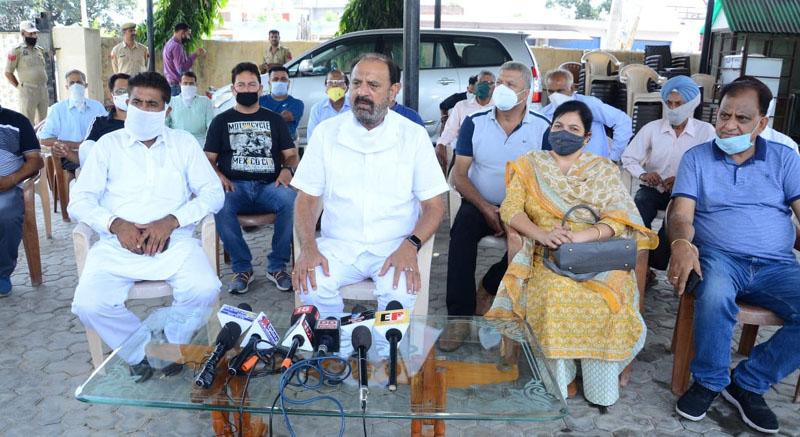 Former Minister and senior NC leader, Surjit Singh Slathia at a press conference at Vijaypur on Tuesday. —Excelsior/Gautam