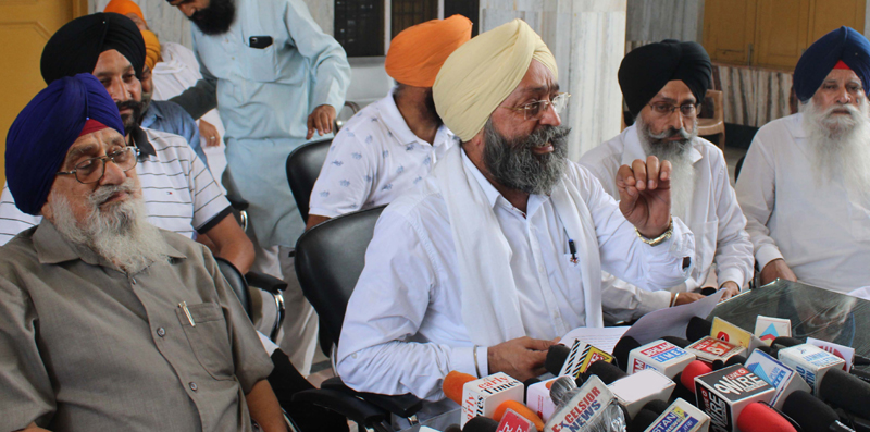 Member DGPC Jammu, Avtar Singh Khalsa addressing press conference in Jammu on Monday. —Excelsior/ Rakesh