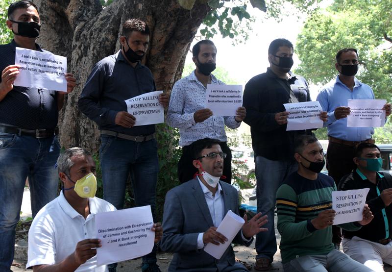 Jammu and Kashmir Ex-Servicemen during protest at Jammu. -Excelsior/Rakesh