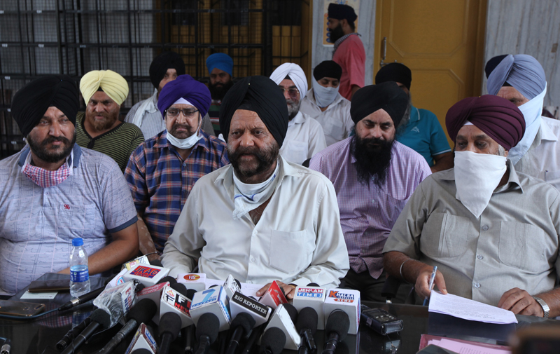SAD state president Darbinder Singh addressing press conference in Jammu on Thursday. -Excelsior/ Rakesh
