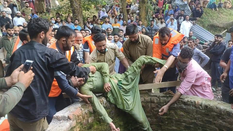 Youth drowned in well being retrieved by locals in Kupwara.