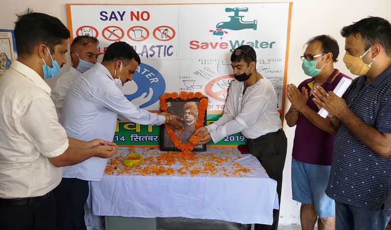BJP leaders and activists paying tributes to Swami Vivekananda in Jammu.