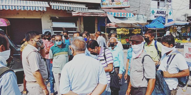 Desperate passengers at Samba Bus Stand on Monday. — Excelsior/Badyal