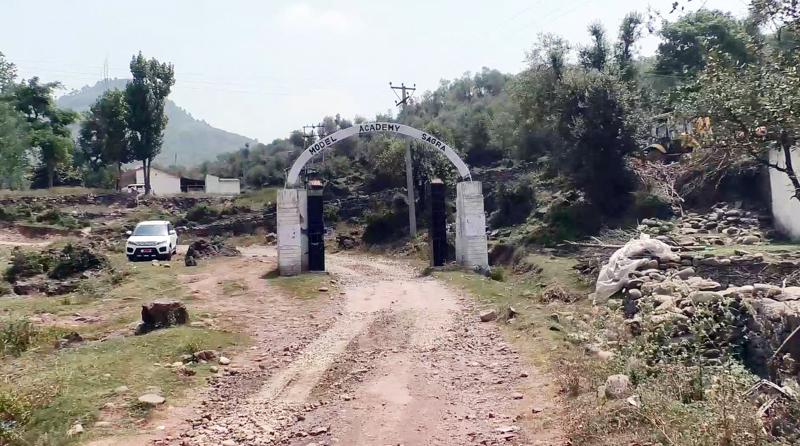 A view of road leading to village Balad in Panchayat Sagara of Tehsil Mankote. — Excelsior/Rahi Kapoor