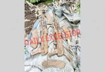 Arms recovered from a hideout in Mangnar Top, Poonch on Friday. -Excelsior/ Gurjeetbhajan