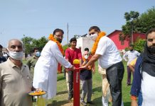 Chander Mohan Gupta, Mayor JMC alongwith Surinder Sharma Councillor Ward Number 38 inaugurating Open Gym at Lohan Park Paloura.