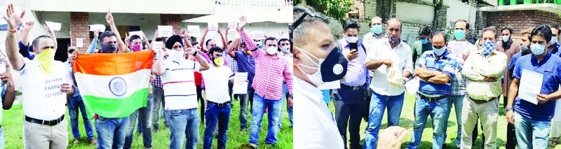 Engineers of SHGs protesting against Govt in Jammu and Srinagar on Thursday. — Excelsior/Rakesh/Shakeel