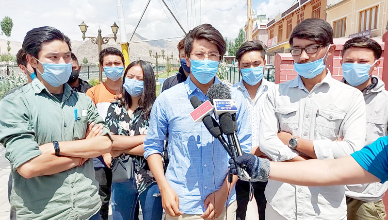 LEAF chief coordinator Jigmet Paljor flanked by other students' leaders addressing a press conference in Leh.
