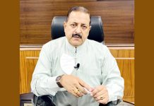 Union Minister Dr Jitendra Singh briefing about the recent images of Moon captured by ISRO's Chandrayaan-2 Orbiter, at New Delhi on Friday.