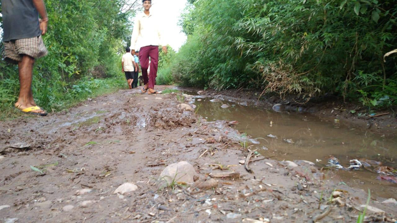 Worse condition of Dabowal road in Panchayat Merath —Excelsior/ Pardeep