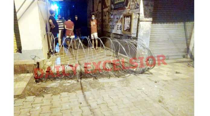 A locality sealed in Ward No. 5 Reasi after being declared as Containment zone on Wednesday. —Excelsior/Romesh Mengi