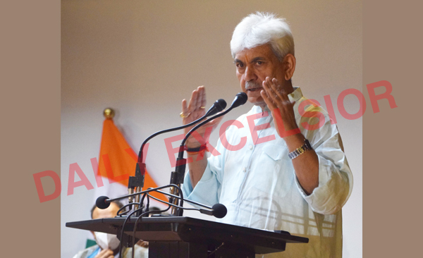 Lieutenant Governor Manoj Sinha addressing a press conference in Srinagar on Monday. —Excelsior/Shakeel
