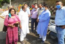 Former Minister, Sat Sharma interacting with locals after inaugurating Open Gym at Ward No 36 Janipur, Jammu.