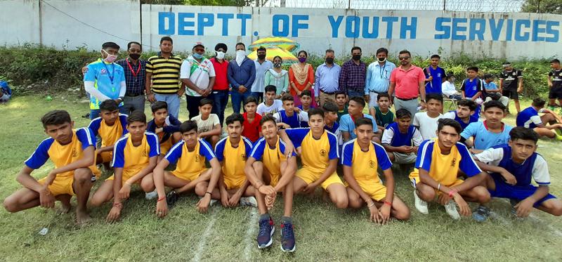 Winning teams players posing for a group photograph along with dignitaries at Khel Gaon Nagrota, Jammu.