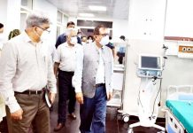 Advisor R R Bhatnagar during visit to GMC Jammu.