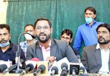 Jammu and Kashmir Teachers Association (JKTA) addressing press conference in Srinagar. -Excelsior/Shakeel