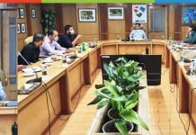 J&K Bank Chairman R K Chhibber interacting with High Density Apple Entrepreneurs.